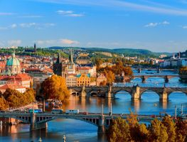 Teach English for Companies in Prague with the Market Leader